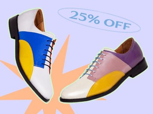 Zapato acordonado, con recortes geométricos