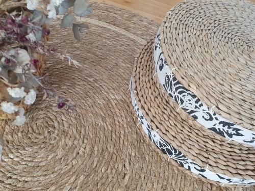 Puff Redondo de Fibras Naturales de Seagrass Importado de Asia Deco