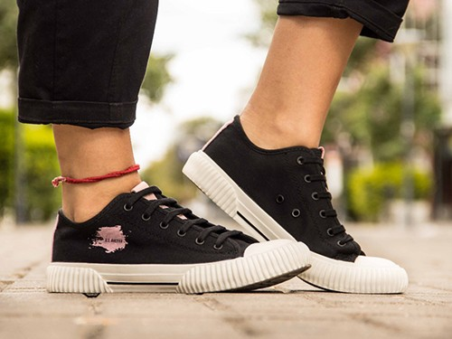 Zapatillas Urbanas De Lona Negra Para Mujer Base Vulcanizada U.S.