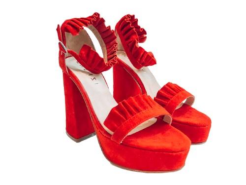 Sandalia de cuero Cami