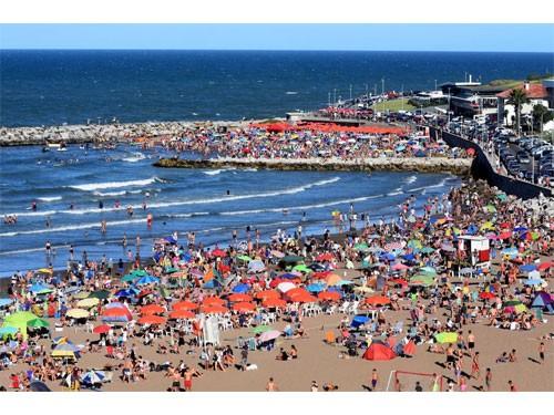 Hotel Mar del Plata + Desayuno para 2 personas hasta Septiembre