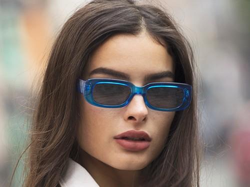 Anteojos Sol Infinit New York Azul Translúcido Espejada color plomo