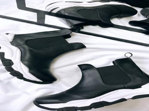 Botitas modelo Africa color negro en PU, base goma