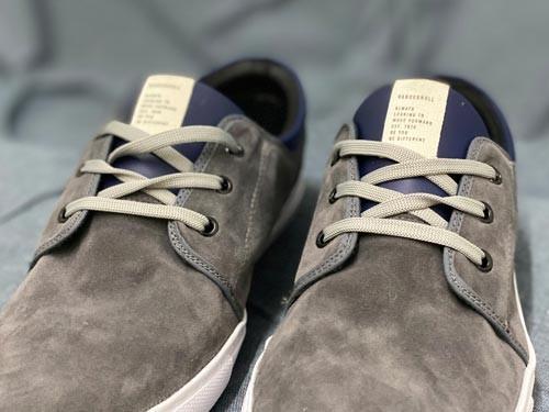 Zapatillas de cuero descarne (gamuza). Base de caucho