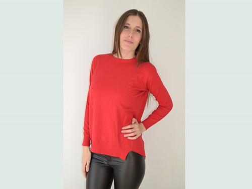 Suéter de mujer con escote redondo. Realizado en viscosa y poliéster .