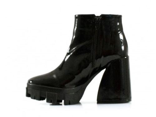 Botas cortas charol negro de mujer Batistella