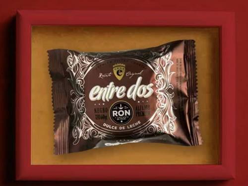 3x2 Alfajor de chocolate negro con dulce de leche al Ron