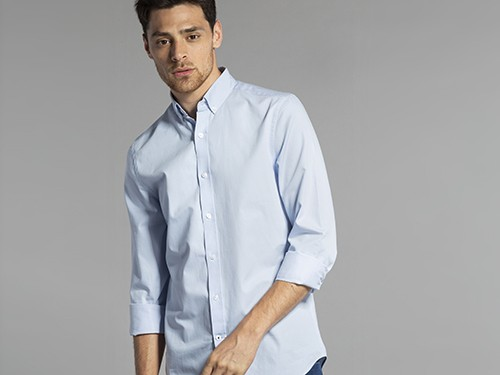 Camisa Lisa de Algodón de Corte Regular