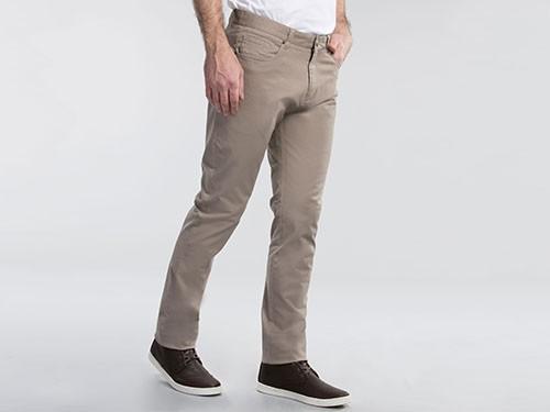 Pantalón Elastizado De Gabardina Con 5 bolsillos Slim Fit