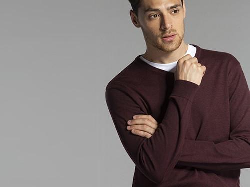 Sweater Regular Fit Liso Escote En V
