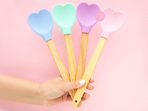 Espatula corazon de silicona pastel