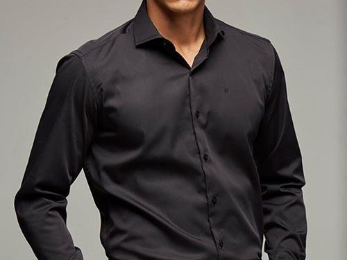 Camisa Lisa Negra