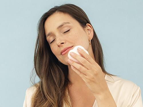 Limpiador y masajeador Facial de Silicona con esferas giratorias