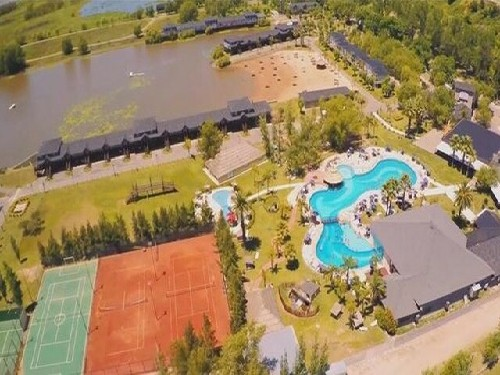 Viví la naturaleza en San Pedro: Howard Johnson Marinas Resort