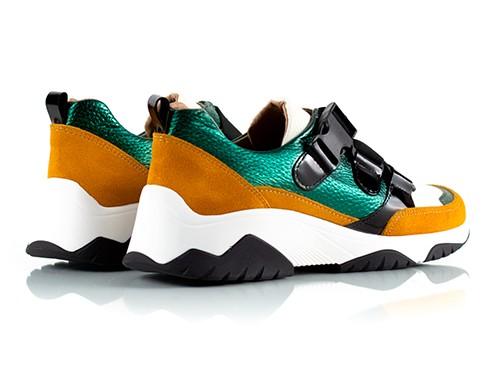 Zapatillas con elásticos mostaza y verde metalizado Suki La Leopolda