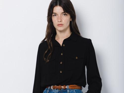 Camisa Negra en Crepe Holgada Mangas Largas y Puños Brooke II Wanama