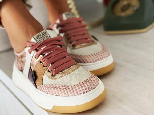 Zapatillas urbanas estilo retro, Rocas