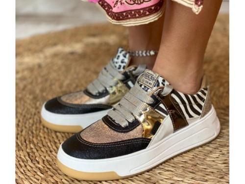 Zapatillas urbanas estilo retro , Rocas