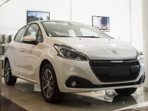 Peugeot 208 - Felune Tiptronic - 0KM