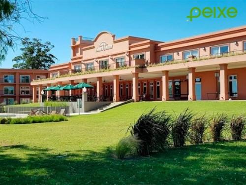Escapada a Chascomús: Noche de Hotel para 2 + desayuno + spa