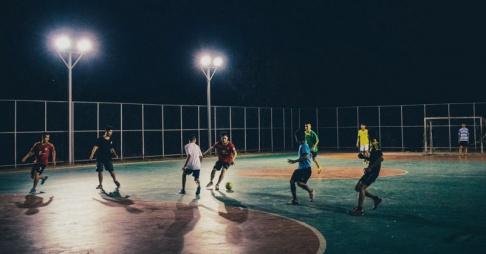 ¿Vas a jugar al fútbol con amigos? ¡Esto es todo lo que necesitas!